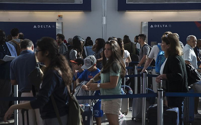 Delta: Nawet 10 tysięcy dolarów za overbooking