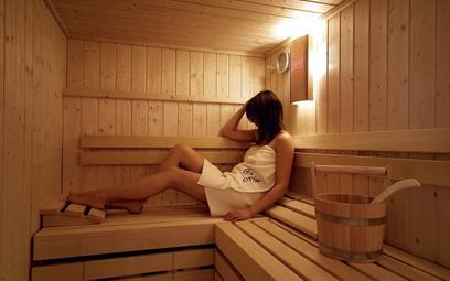 Dzięki właściwościom związanym z odnową biologiczną i higieniczno-kosmetyczną wizytę w saunie zaleca