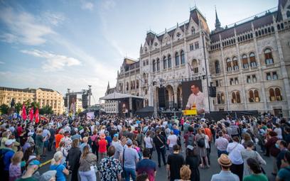 Orbán chce, by chiński uniwersytet uczył Węgrów