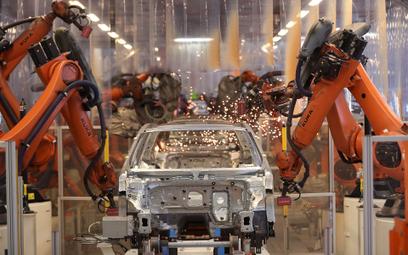 SARS-CoV-2 infekuje europejski przemysł motoryzacyjny