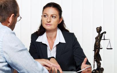 Tajemnica adwokacka i radcowska: prawnicy nie chcą donosić na klientów