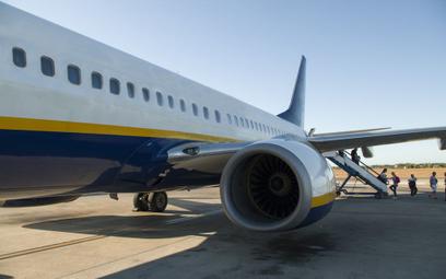 Rasistowskie uwagi pasażera Ryanair. Ludzie oburzeni