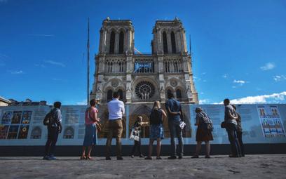 Francja zafunduje turystom testy PCR