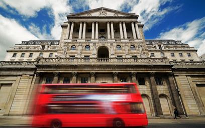 "Bank Anglii nadal ""gołębi"""