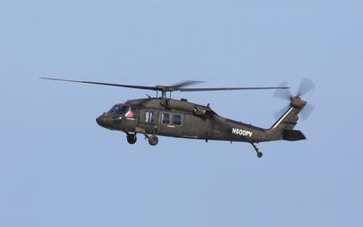 Śmigłowiec UH-60A OPV podczas oblotu. Fot/ Sikorsky