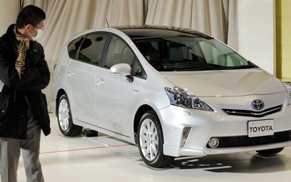 Mniej samochodów i podzespołów z Japonii