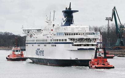 Napędzany LNG prom Spirit of British Columbia opuszcza Gdańsk.