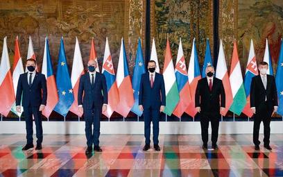 17 lutego naWawelu spotkali się premierzy (od lewej) Słowacji Igor Matovič, Polski Mateusz Morawiec