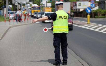 Raport: Jakie przestępstwa popełniają policjanci?