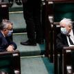 """""""Pod płaszczykiem walki z epidemią ma się wykuć inna Polska. W tej Polsce decyzje za prezydenta, za"""
