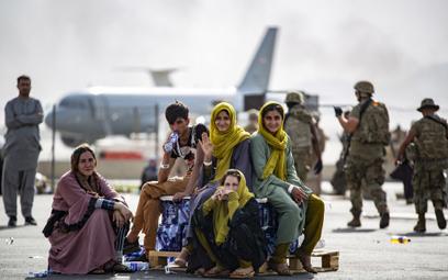 USA ostrzegają obywateli przed lotniskiem w Kabulu