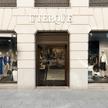 W Polsce sklepy marki Uterque obecne są w Warszawie i Poznaniu.