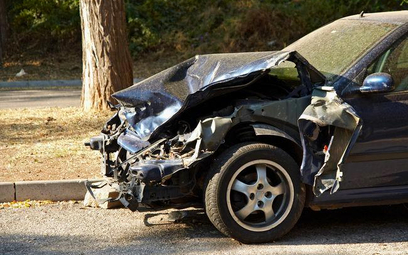 Ubezpieczenia komunikacyjne: poszkodowani w wypadkach bez wsparcia UOKiK
