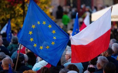 Sondaż: 90 proc. Polaków zadowolonych z członkostwa Polski w UE