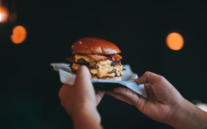 Słynny szef kuchni otwiera burger bar. W menu tylko 2 dania