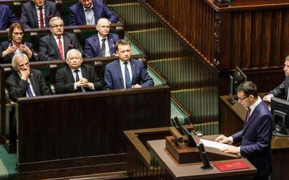 Politycy PiS twierdzą, że Jarosław Kaczyński nie chce wcześniejszych wyborów, ale podkreślają też, ż