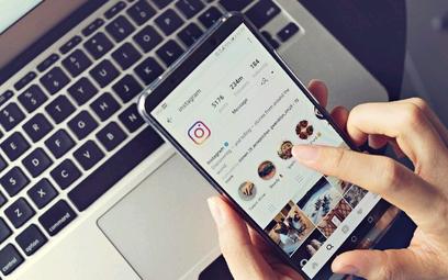 Zakupy przez serwisy społecznościowe rosną bardzo szybko.