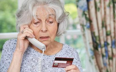 Nieuczciwi sprzedawcy naciągają seniorów