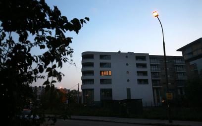 Miasto nie musi dbać o oświetlenie na obszarze społdzielni mieszkaniowej - wyrok WSA