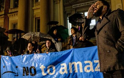 Amazon ma wielu wrogów. Protest w Nowym Jorku przeciw planom otwarcia nowego biura koncernu.