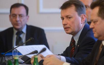 Mariusz Kamiński i Mariusz Błaszczak wyjaśniali posłom przyczyny dymisji szefa policji