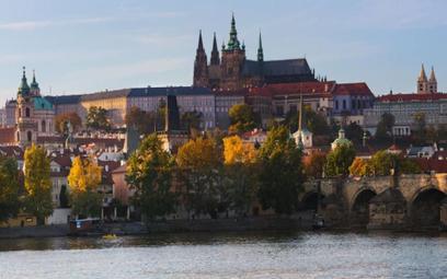Jeszcze więcej turystów w Pradze
