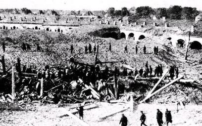 Cytadela warszawska po zamachu przeprowadzonym 13 października 1923 r. przez oficerów WP pracujących