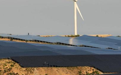 Energię z farm wiatrowych i ogniw fotowoltaicznych dzięki rozwojowi technologii będzie można magazyn