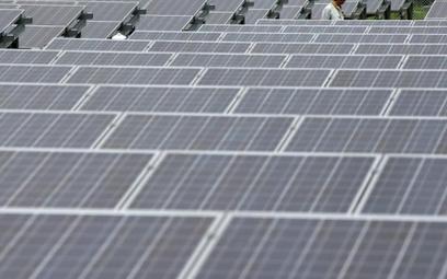 Saudyjczycy budują mega elektrownię na pustyni