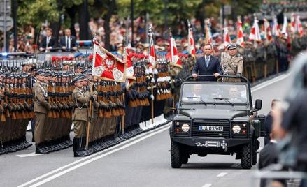 Zwierzchnik sił zbrojnych, prezydent Andrzej Duda podtrzymał tradycję pożegnania odchodzących oficer