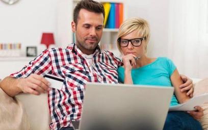 Internetowa sprzedaż towarów z wyższej półki wzrosła w ubiegłym roku aż o jedną czwartą.