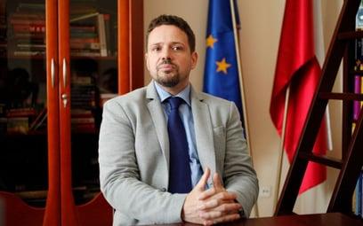 Rafał Trzaskowski zbiera podpisy w sprawie Okęcia