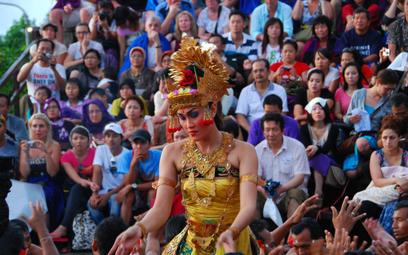 Bali zacznie przyjmować turystów w październiku