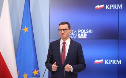 Premier Mateusz Morawiecki podczas konferencji prasowej w siedzibie KPRM w Warszawie