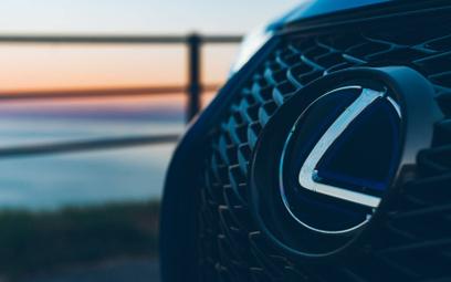 Lexus UX: Podróż od świtu do świtu