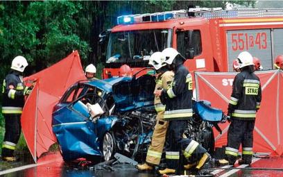 Kierowca, który spowodował groźny wypadek w okolicach Stalowej Woli, miał 1,6 promila alkoholu
