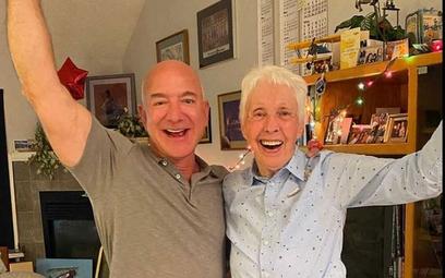 Wally Funk i Jeff Bezos