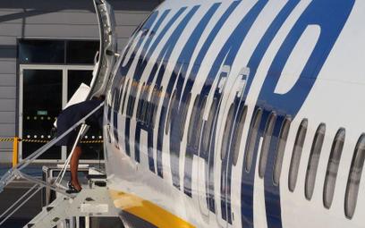 Stewardesa Ryanaira: Mało płacą, dużo wymagają