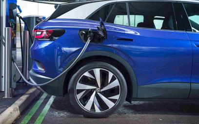 Elektryki o 70 proc. czystsze niż auta z silnikami spalinowymi