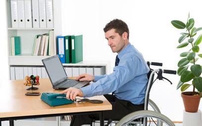 Przetargi: więcej firm da pracę niepełnosprawnym