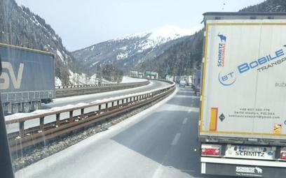 Zakorkowany przejazd przez Brenner
