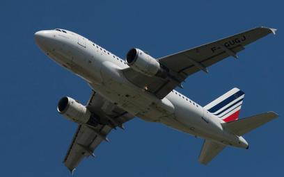Air France tnie i zwalnia