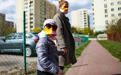 Koronawirus w Polsce. Ilu Polaków miało już kontakt z koronawirusem? Ekspert odpowiada
