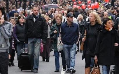 Badania: Wielka Brytania najpopularniejszym kierunkiem emigracji Polaków