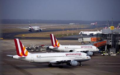 Samoloty Germanwings na płycie lotniska w Duesseldorfie