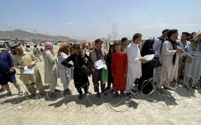 Pentagon: Trzy bazy wojskowe przyjmą 22 tys. Afgańczyków