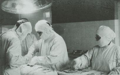 Warszawa: Historia wyjątkowego szpitala