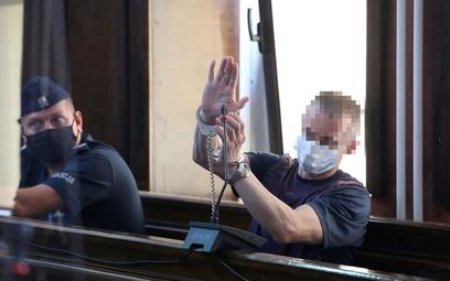 Jeden z oskarżonych w sprawie zabójstwa małżeństwa Jaroszewiczów w Sądzie Okręgowym w Warszawie w 20