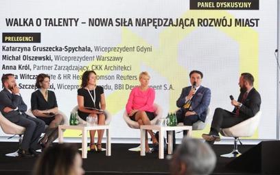 Przedstawiciele samorządów podkreślali w trakcie dyskusji, jak ważna jest umiejętność komunikacji z