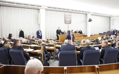 Podwójne obywatelstwo nie wykluczy z Sejmu